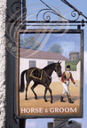 ASCOTT (GB) - Enseigne : Horse and Groom