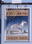 "ENSEIGNE : ""THE GREYHOUND"" (Le Lévrier)"