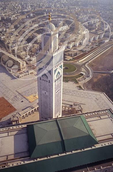 Mosqu e hassan ii 2 le toit ouvrant en position for Mosquee hassan 2 architecture