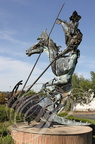 SAINT-JUÉRY - Sculpture de Casimir FERRER : Saint Georges terrassant le dragon (1992)
